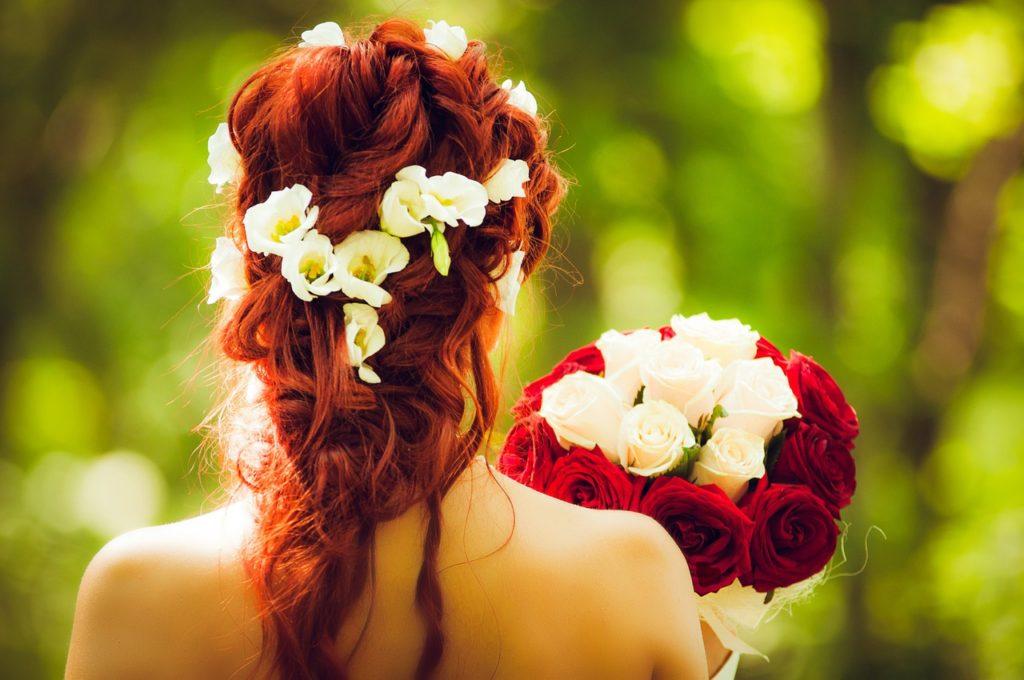treccia con fiori
