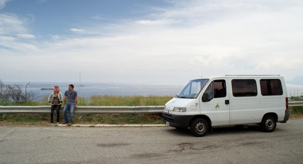 Il viaggio di Mia e Paolo ne Il Padre d'Italia