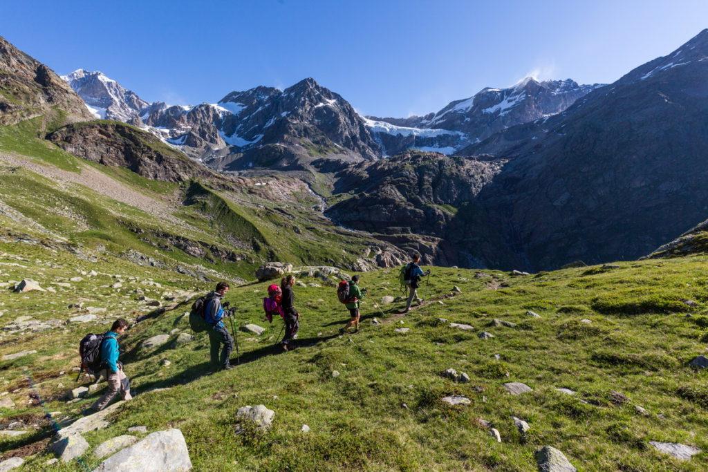 Valmalenco Alta Via -  Escursionisti Ghiacciaio Di Fellaria