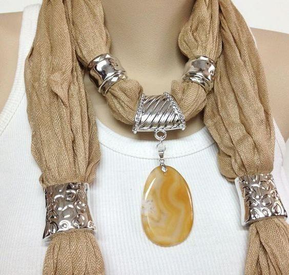 Foulard gioiello beige con pietra tono su tono