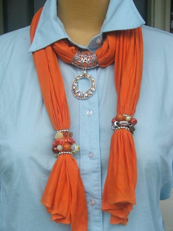 Foulard gioiello arancione con pietre