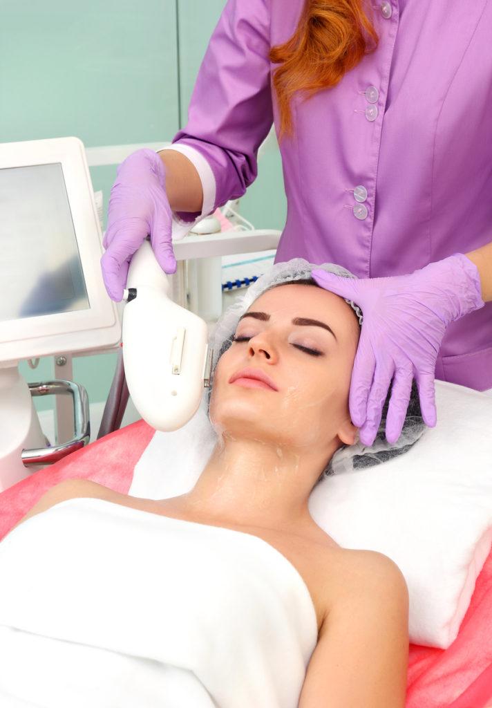 Il needling viene utilizzato anche per attenuare le rughe del viso
