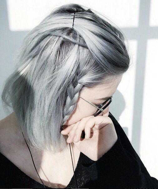 Capelli grigi: i tagli corti e lunghi