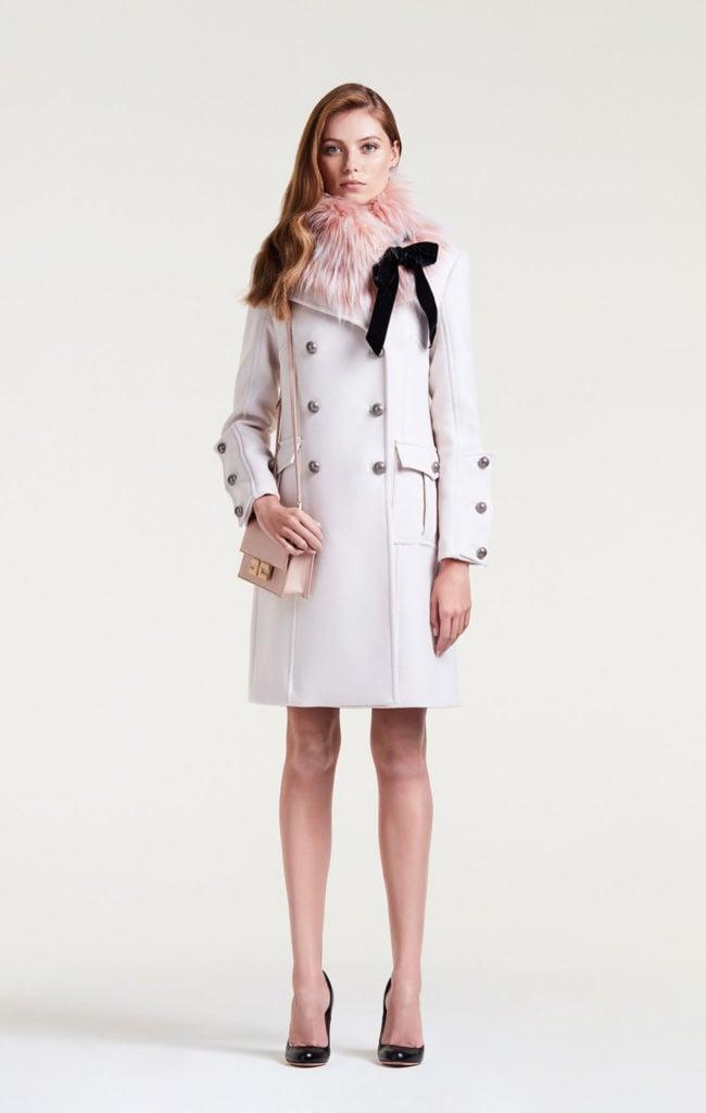 Cappotto con collo di ecopelliccia by Elisabetta Franchi.