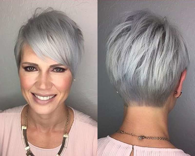 Tagli medi per capelli grigi