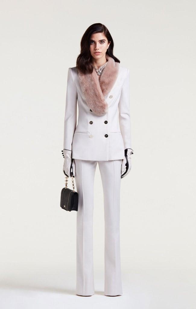 Tailleur con giacca doppiopetto ecopelliccia by Elisabetta Franchi.