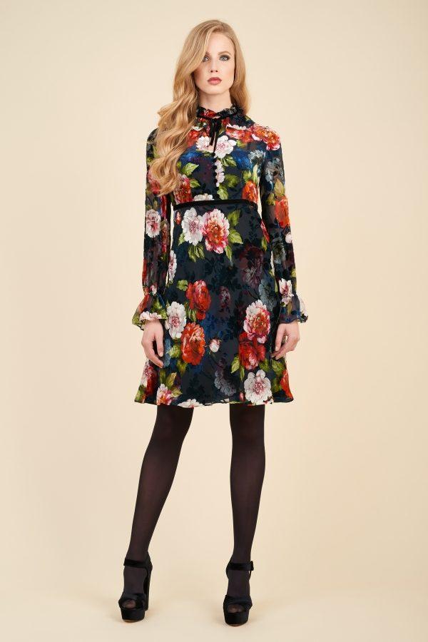 Luisa Spagnoli abito in velluto con decoro floreale.