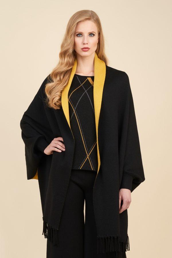 Luisa Spagnoli cappa in lana da donna nera e gialla.