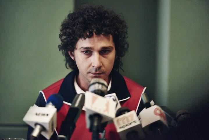 John McEnroe (Shia LaBeouf) - conferenza stampa di Wimbledon. Si accende la rivalità con Borg.