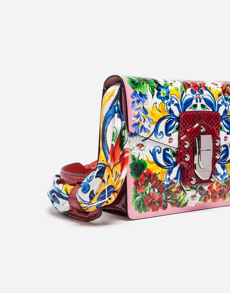 Mini clutch Lucia rosa confetto con decorazione di maioliche di Caltagirone