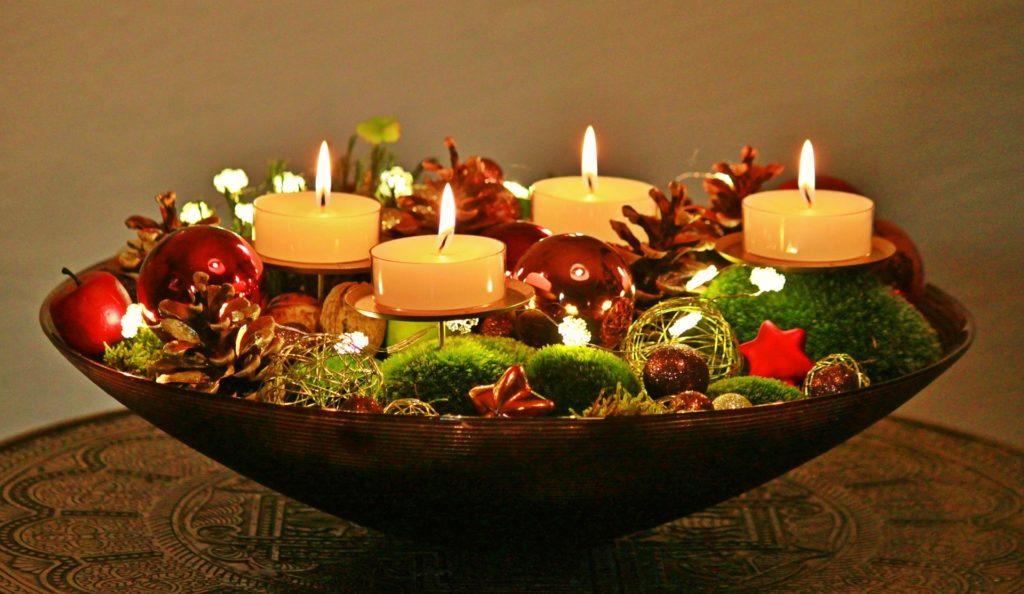Centrotavola natalizi con candele