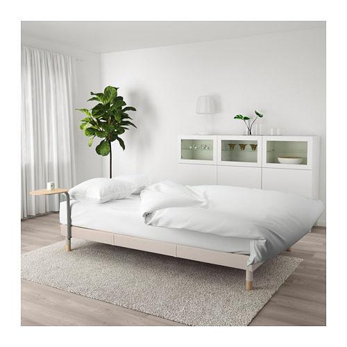 Il divano letto Flottebo in colore beige aperto.