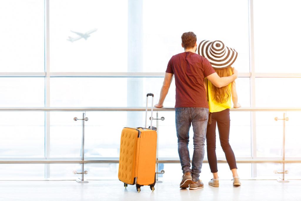Come vestirsi per viaggiare in aereo