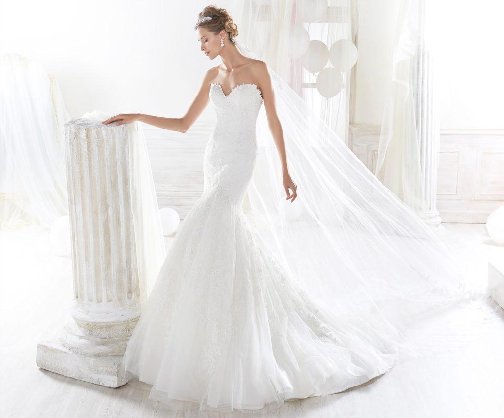 4fb4fd1636e1 Semplice ma sensuale questo abito  NIAB18081 Sensazionale modello a sirena  in tulle bianco