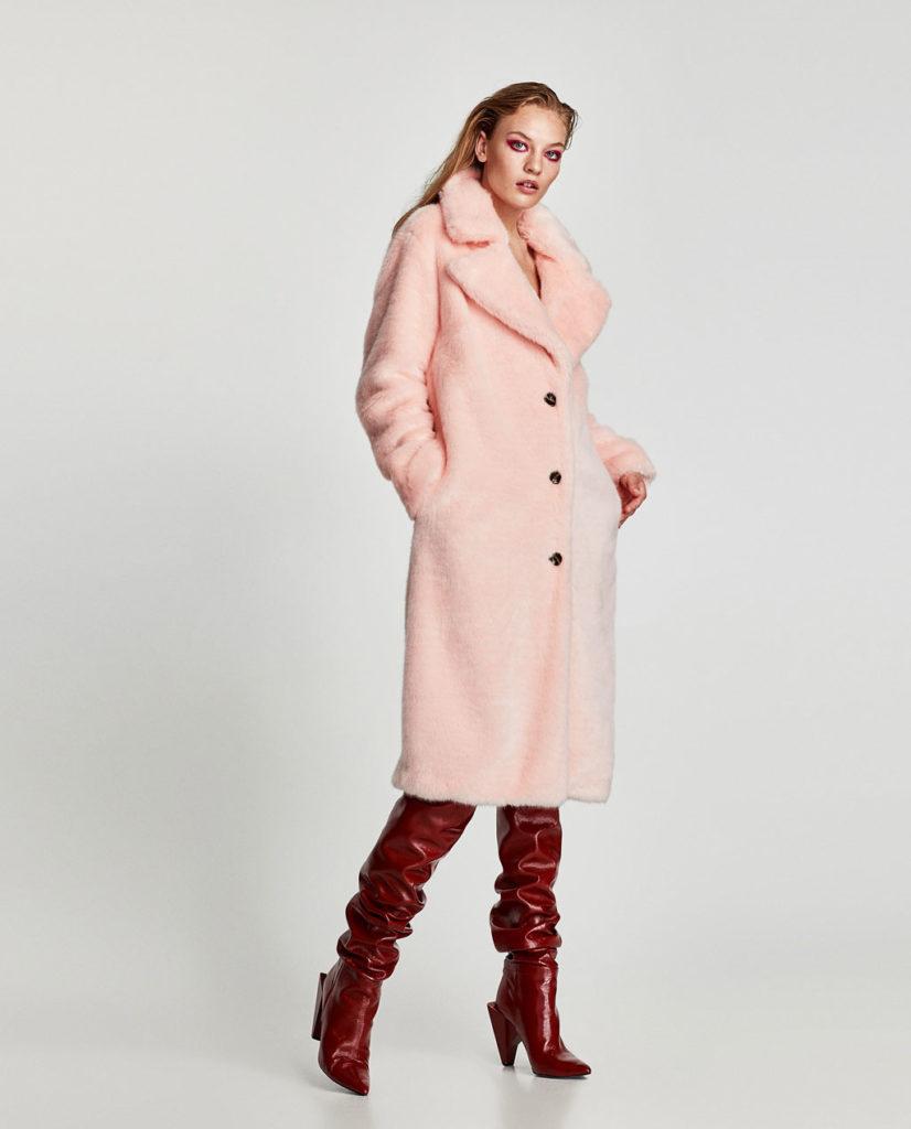Zara pelliccia ecologica lunga con bottoni color rosa confetto.