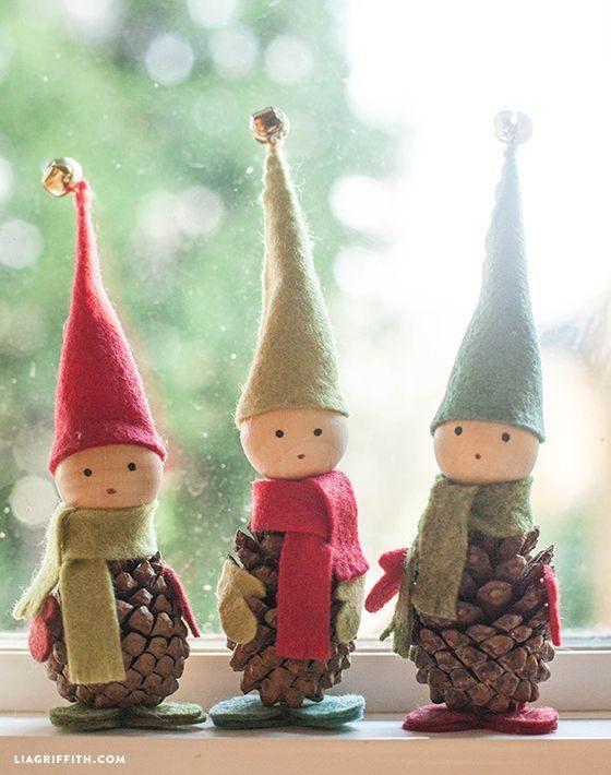 Segnaposto natalizi con le pigne