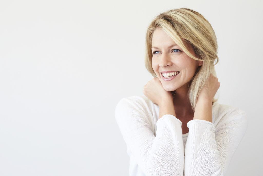 Come rinforzare i capelli in menopausa