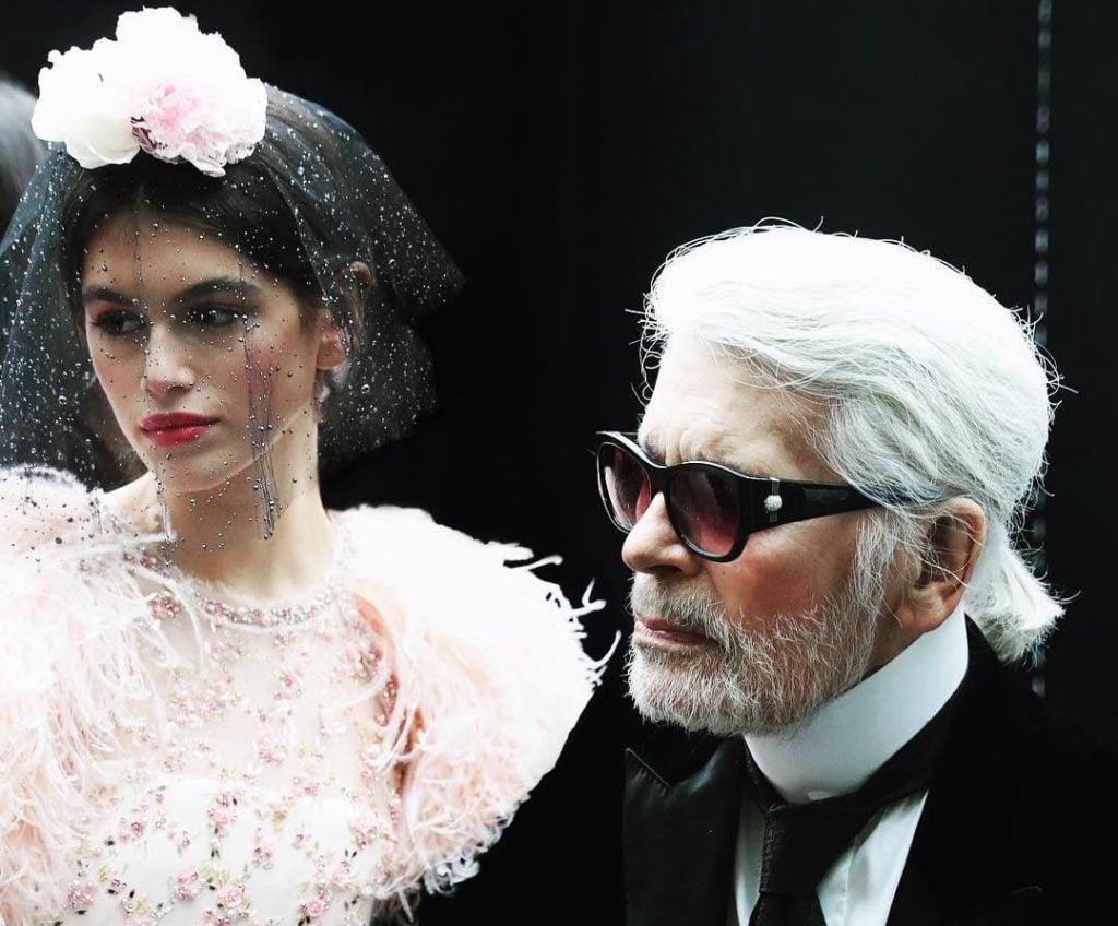 Karl Lagerfeld alla sfilata Chanel Haute Couture Primavera/Estate 2018.