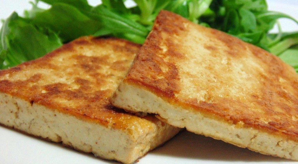 Tofu affumicato alla piastra