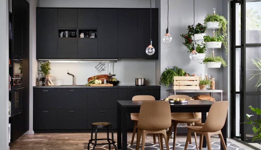 Cucina nera quale scegliere unadonna for Cucina arredi genova
