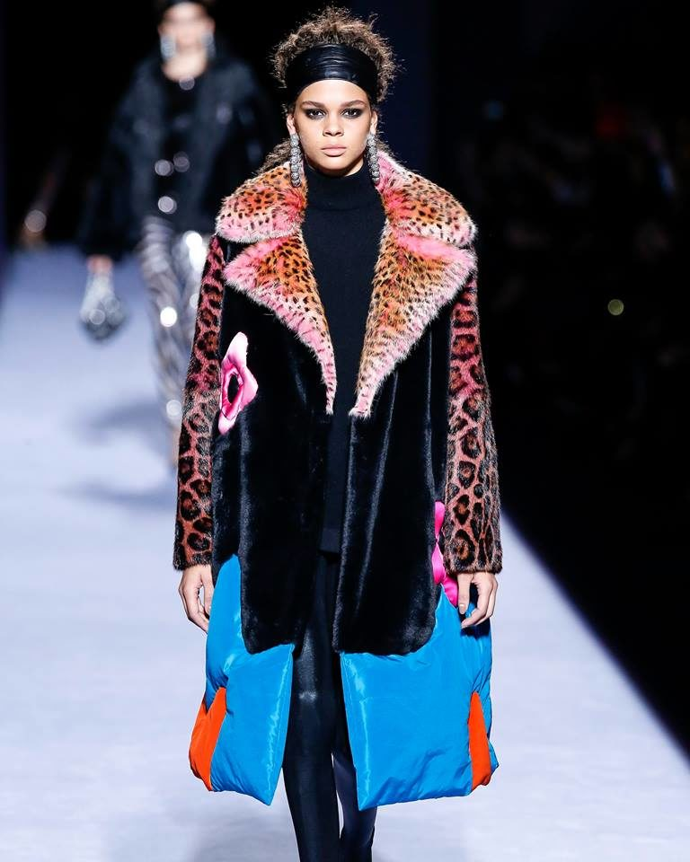 NYFW FW 2018: cappotto con maxi revers a lancia  by Tom Ford.
