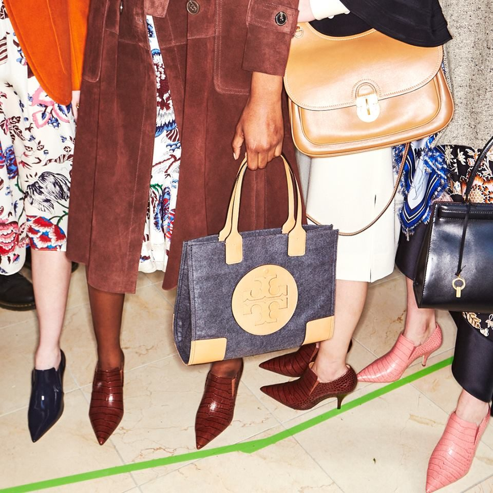 NYFW FW 2018: calzature  a punta accollate by Tory Burch.