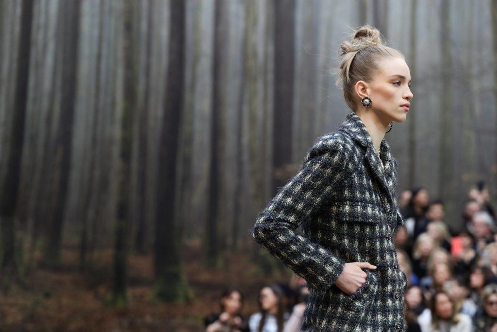 Cappotto dalle linee asciutte Chanel.