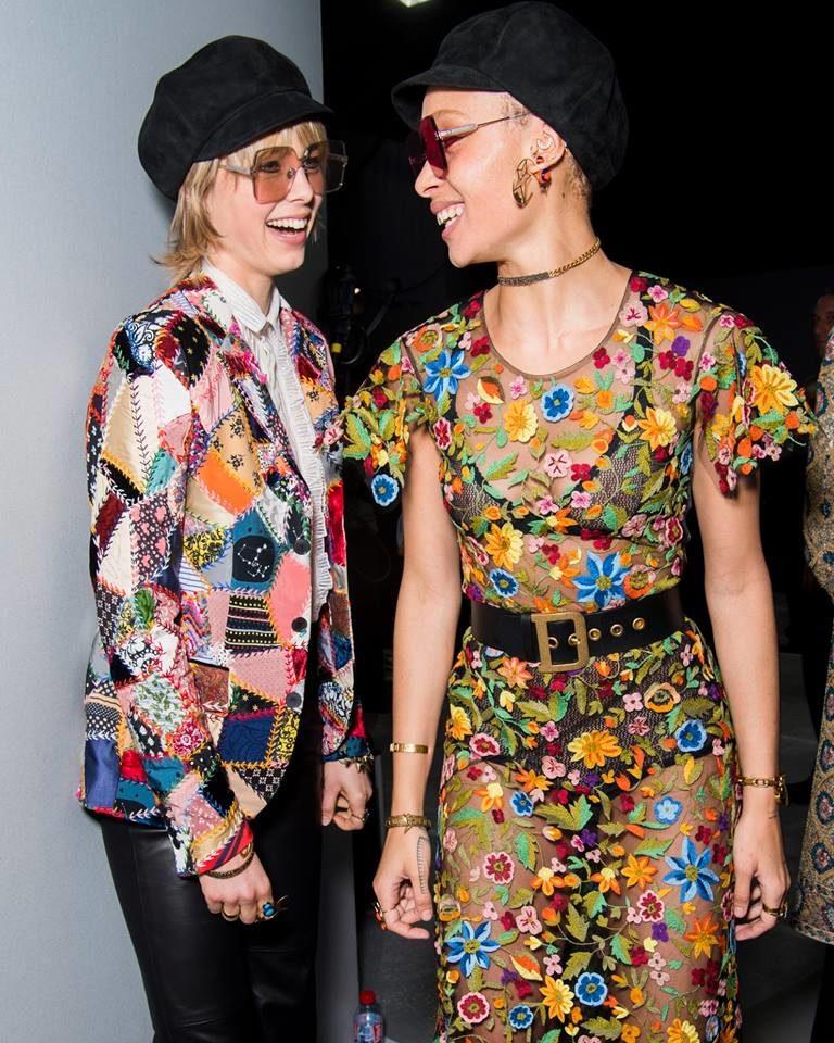 Modelle con abiti patchwork e floreali per Dior alla PFW 2018-2019.