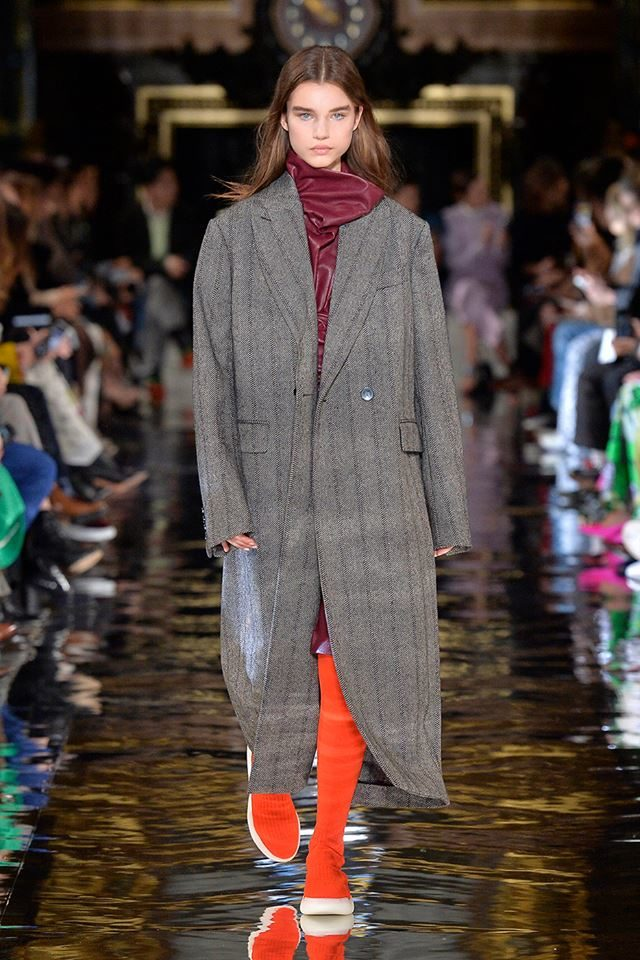 Cappotto stile uomo per lei Stella McCartney.