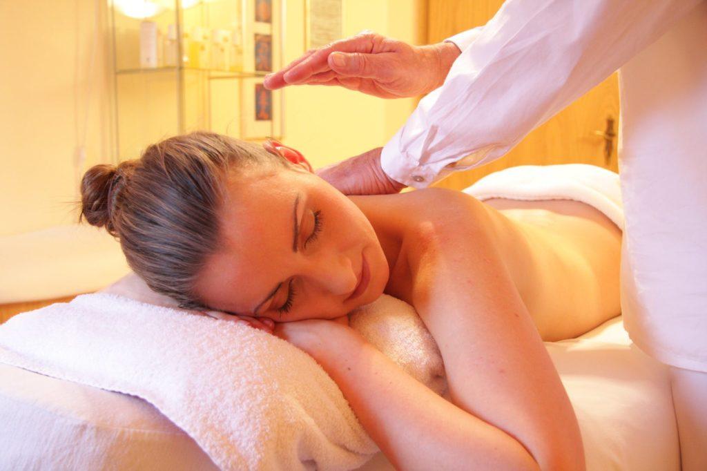 Il massaggio californiano per rilassarsi.