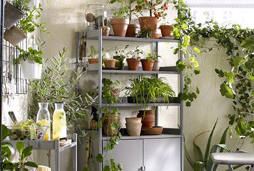 Terrazzo moderno idee per un angolo relax con i fiocchi for Ikea mobili esterno