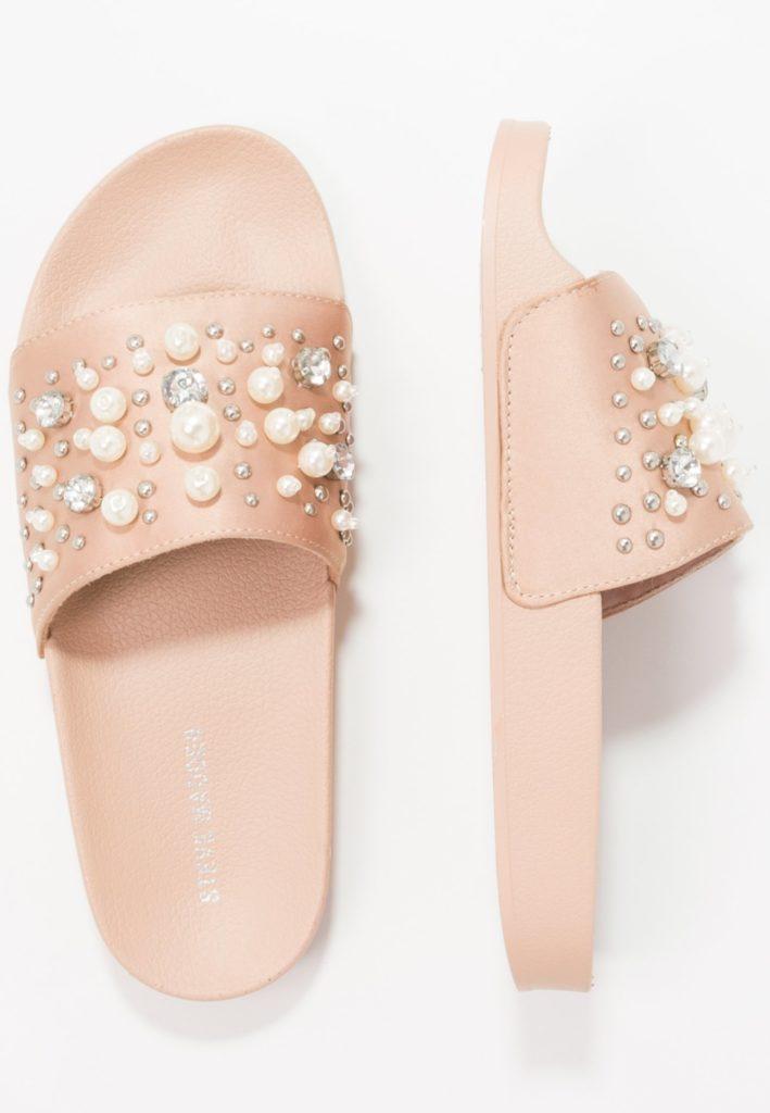 Ciabatte: i piedi sempre più glam.