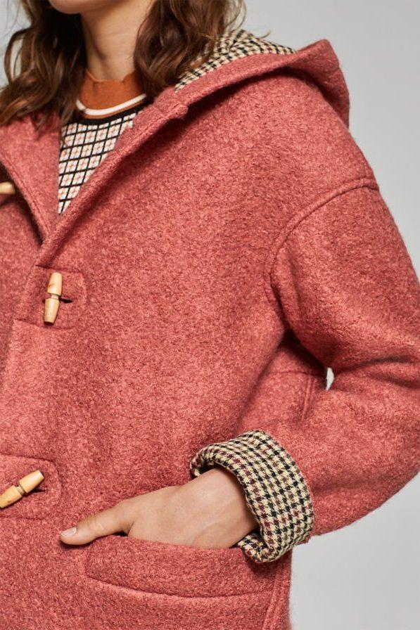 Cappotto bouclé in misto lana con cappuccio - Esprit.