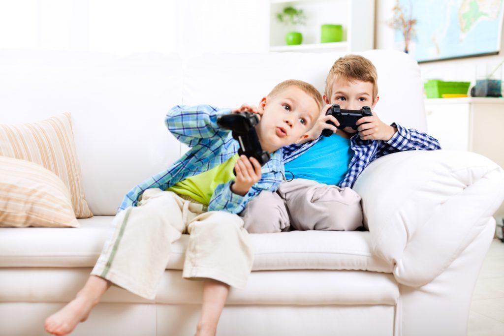 Come comportarsi con i videogame e cosa rischiano i più piccoli?