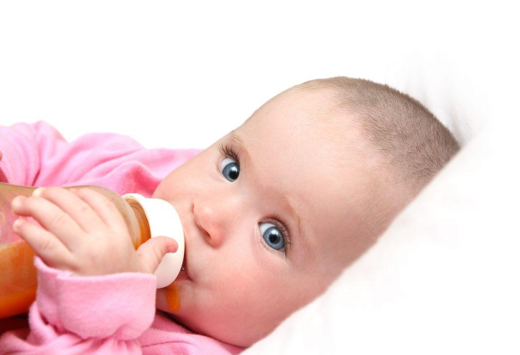 Come scegliere il cuscino per allattamento ideale, che sia comodo per il bebè e la sua mamma.