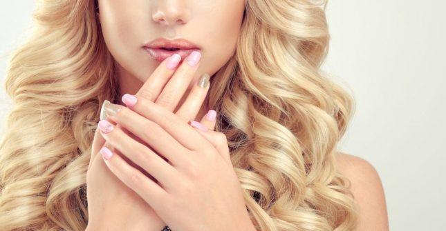 Smalti semipermanenti per unghie: i più belli