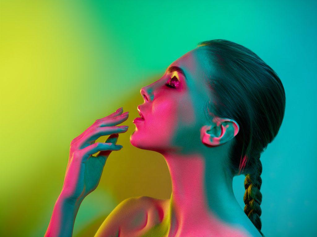 Cromoterapia: come funziona la terapia dei colori