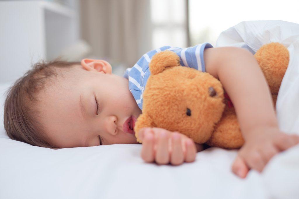 Rumore bianco: consigli per far addormentare il neonato
