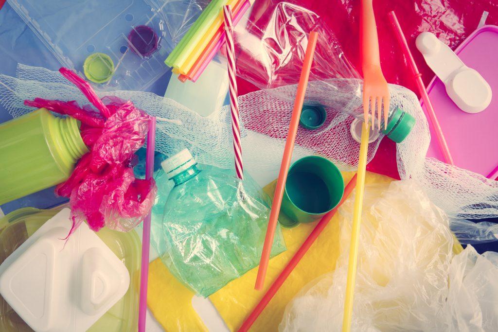 5 consigli per eliminare la plastica