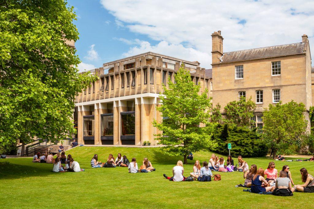 Studenti al College. Oxford.