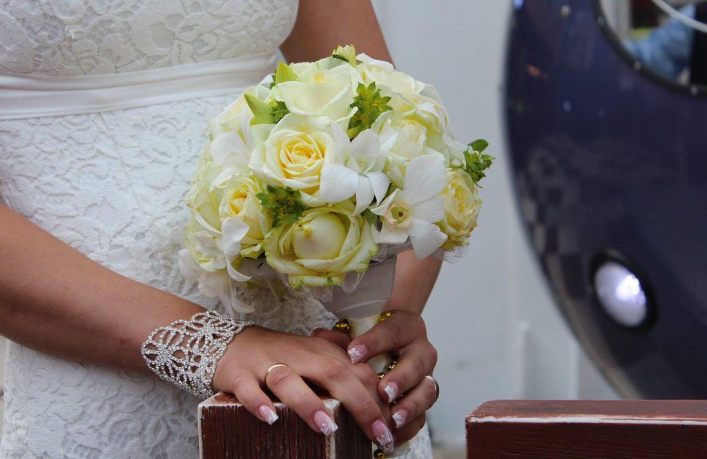 Unghie sposa: 5 nail art e smalti per il grande giorno