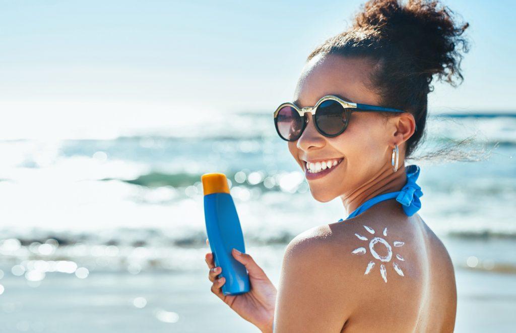 Crema solare scaduta: si può usare?