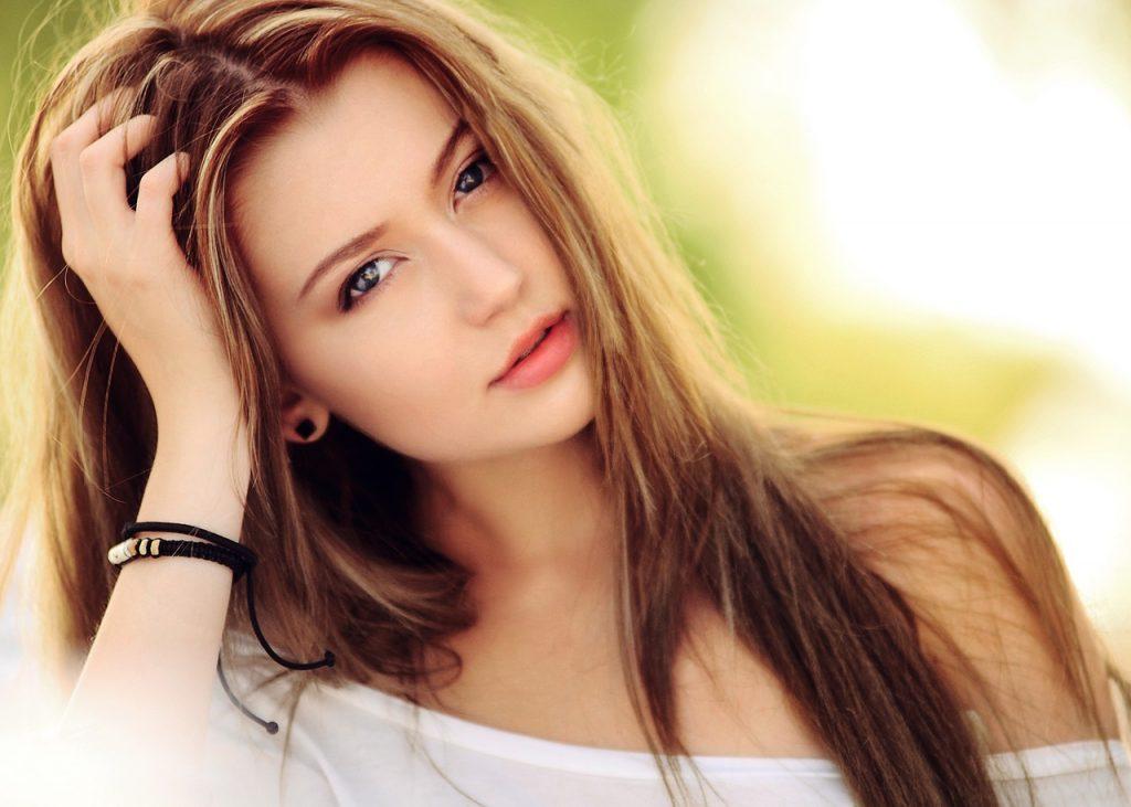 donna capelli sole