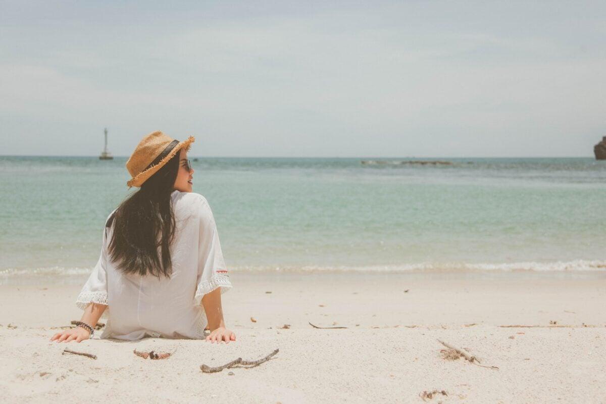 Come riparare i capelli dal sale del mare