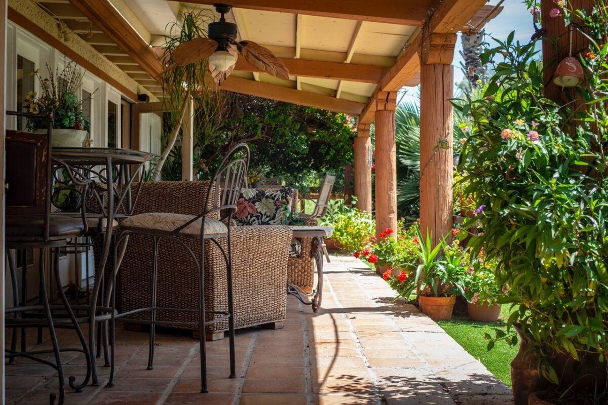 Arredare Con Le Damigiane giardino salotto esterno: idee su come crearlo | unadonna