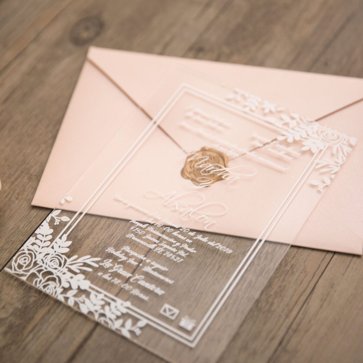 partecipazione di nozze in plexiglass trend matrimonio 2019