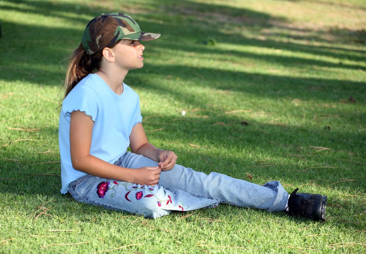Abbigliamento mimetico bambino: è consigliato?