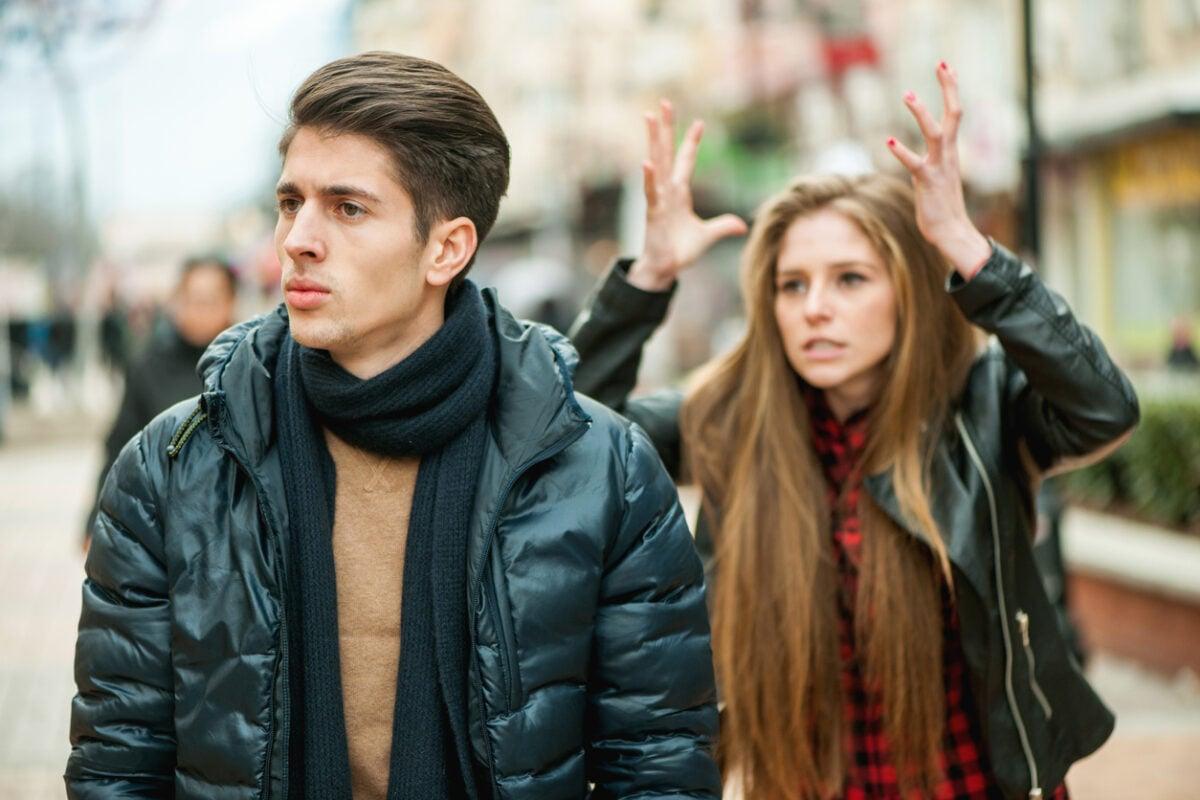 Cosa fa scappare gli uomini: gli atteggiamenti femminili più comuni