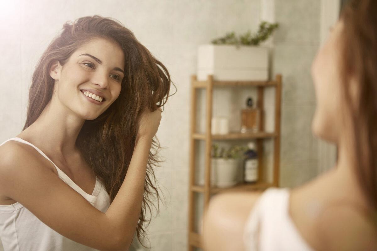 Idrolato di rosmarino: i benefici su pelle e capelli