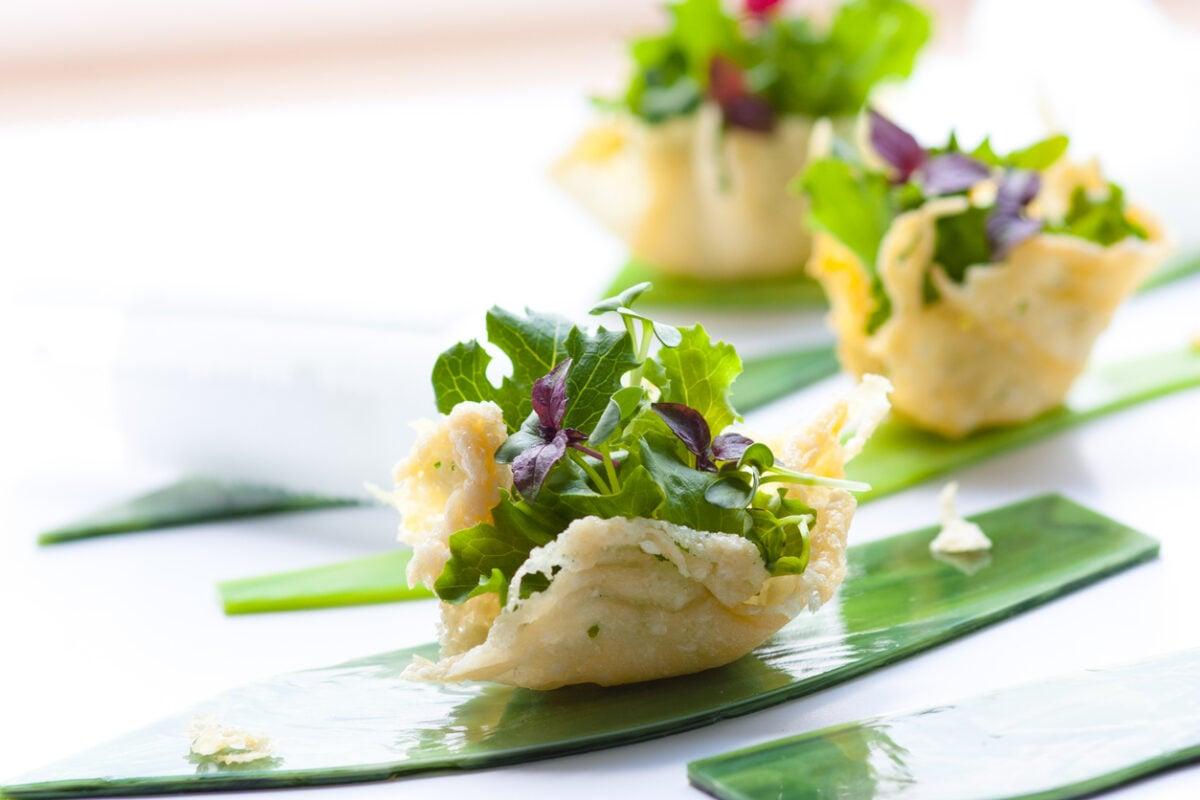 Cestini di parmigiano con verdure